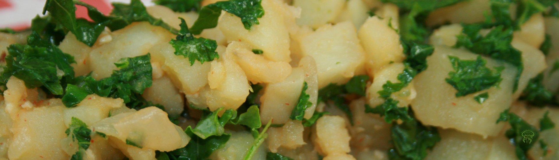 Poêlée de pommes de terre et chou kale à la Sriracha