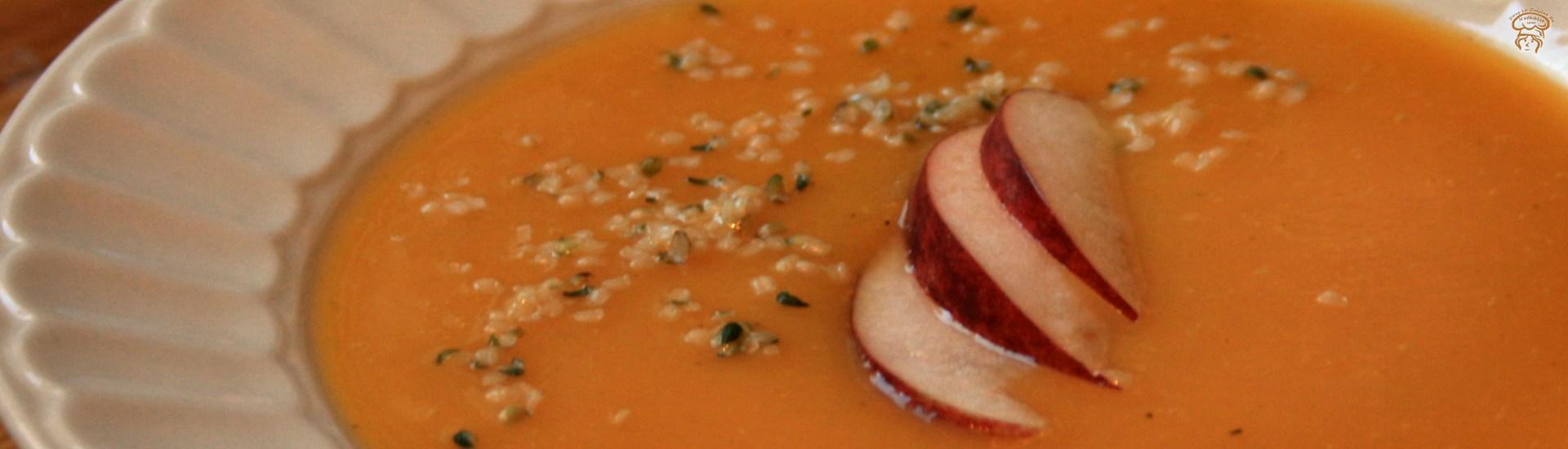 Potage de courge butternut et pommes à l'érable