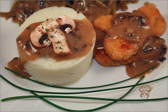 Assiette végé avec sauce aux champignons