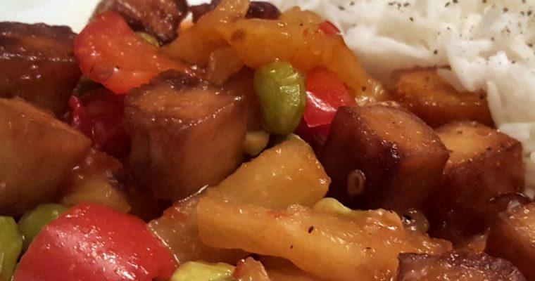 Tofu aux ananas et poivrons rouges