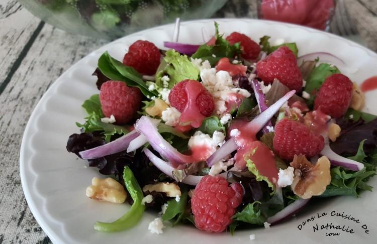 Salade verte et sa vinaigrette aux framboises