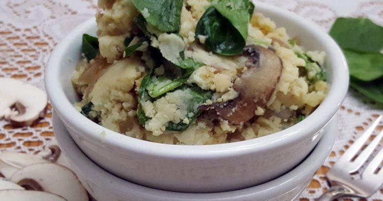Purée de pommes de terre aux oignons caramélisés, champignons et épinards