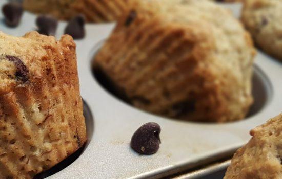 Muffins aux brisures de chocolat et bananes